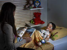 Enfant avec polysomnographe CID-LXe